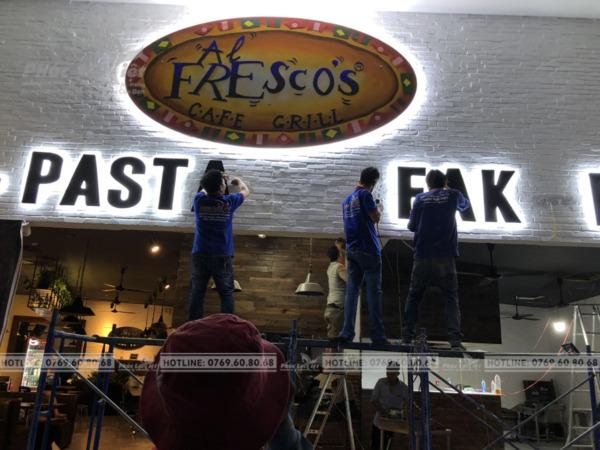 Thi công bảng hiệu quảng cáo nhà hàng tại Sơn Trà, Đà Nẵng