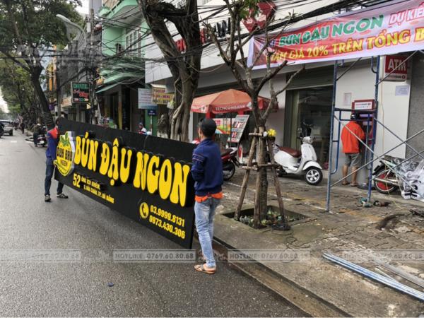 Thi công bảng hiệu Alu chữ nổi quán ăn tại Đà Nẵng