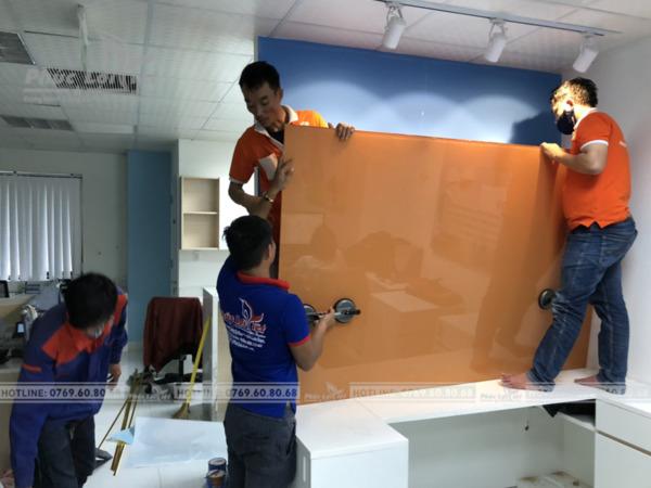 Thi công vách kính trang trí văn phòng tại Đà Nẵng