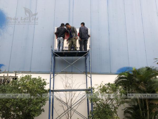 thi công bảng tên công ty bằng Inox tại Đà Nẵng