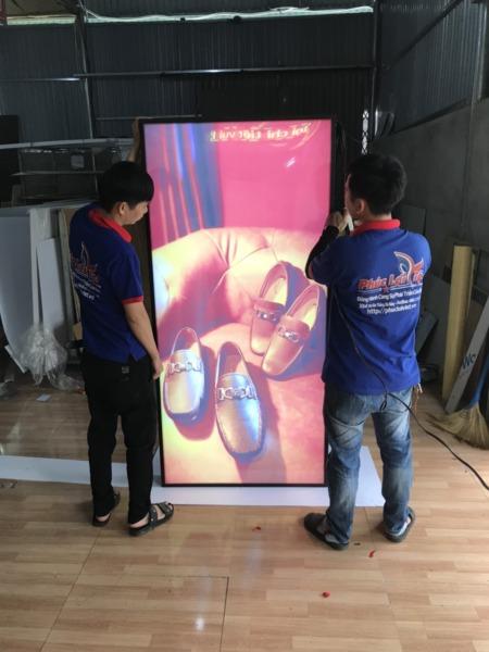 thi công hộp đèn mica tại Đà Nẵng